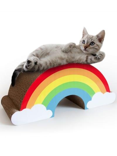 Suck UK - rainbow cat scratch, cat lying across rainbow