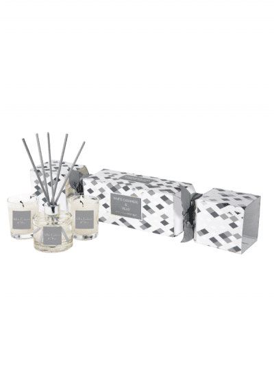 StoneGlow - cashmere and pear cracker set, Christmas cracker in silver and white colourways